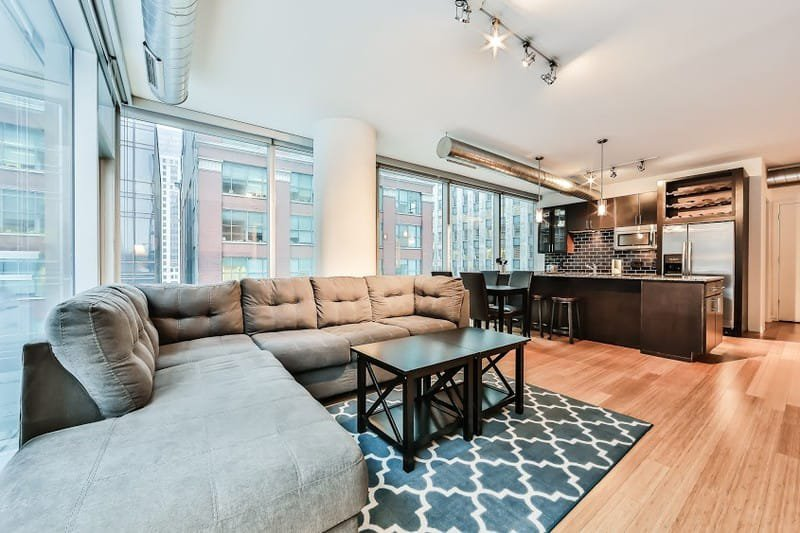 9 Benefits of Chicago Fully Furnished Short Term Housing vs. Hotels